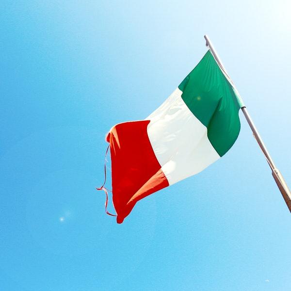 Alt = Italian lawyers in London
